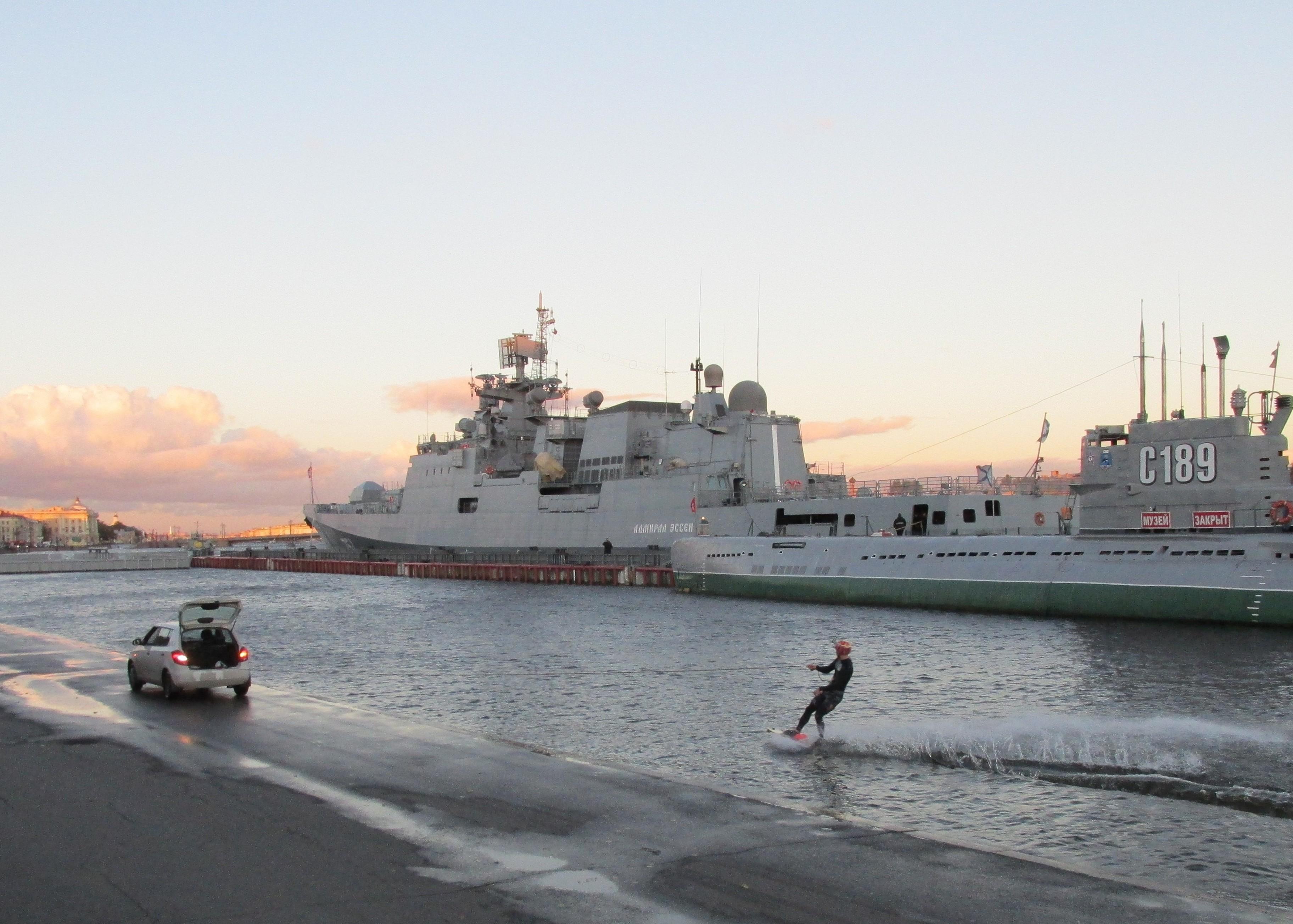 Project 11356: Admiral Grigorovich - Page 18 01-4305360-admiral-essen-nlsh-01.10.2016